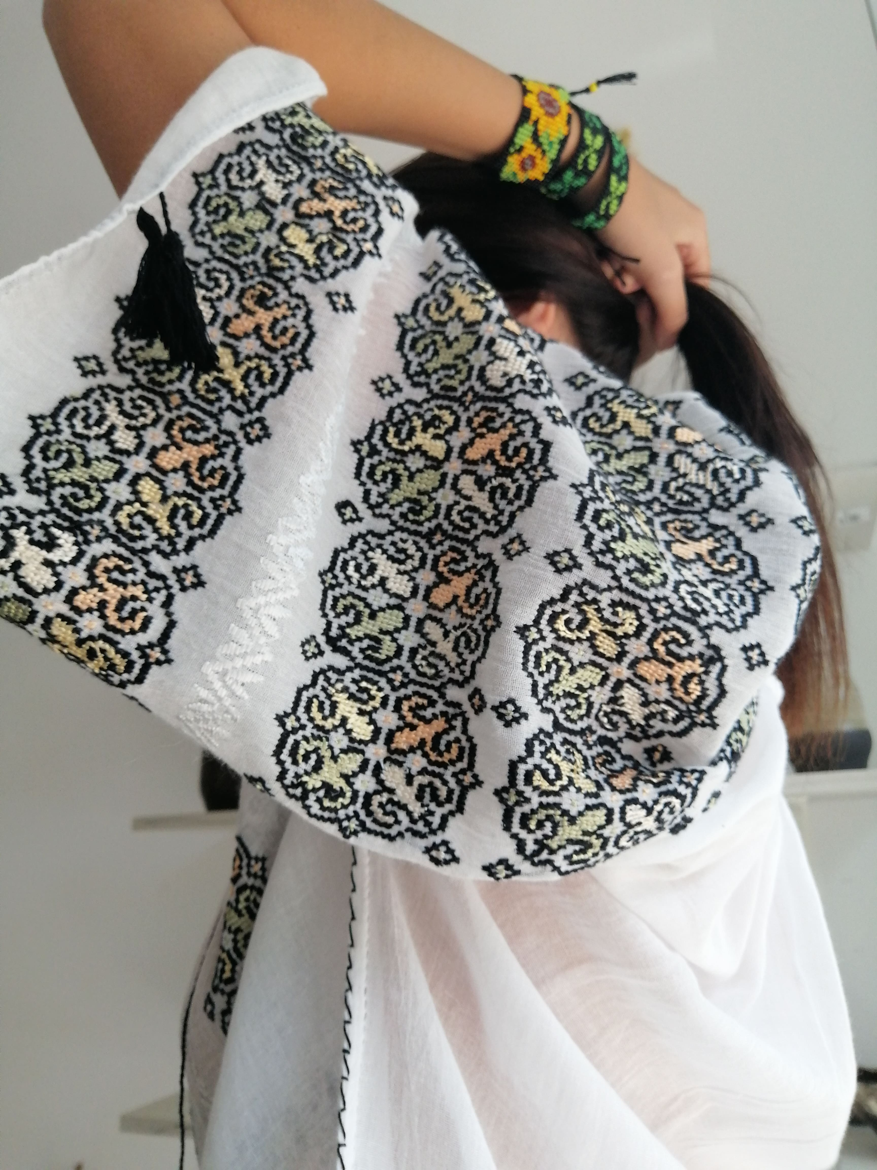The Romanian blouse, the next thing in  fashion sustainability