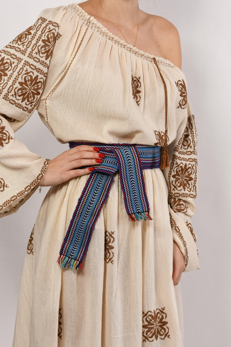Romanian embroidery blouse and skirts costume hand embroidered linen cloth and traditional motif