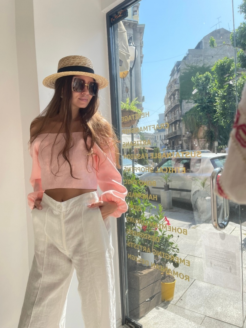 Riviera Look Number 1 Shop The Look Style Proposal -Linen Long Pants - Linen Pink Pastel Crop Top - Straw Boat Hat