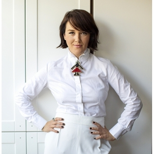Alisia Enco Brooch Silver Skirt