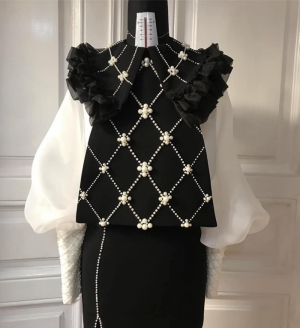 Crafted balck collar with pearls Ie Clothing