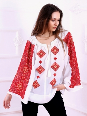 FLORII Banat Folk Embroidered Blouse in Red embroidery pattern