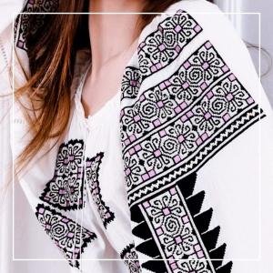 FLORII Beauty Emergence Folk Embroidery Blouse