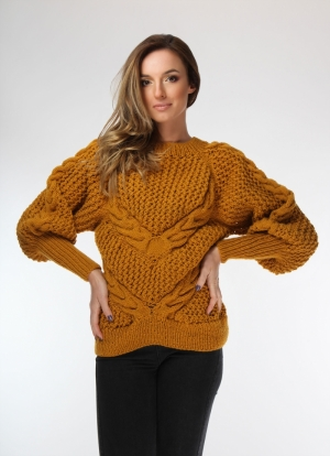 Hand-knitted mustard yellow wool sweater with oversized long-sleeved Onibon