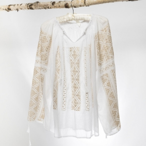 Romanian blouse with silk embroidery