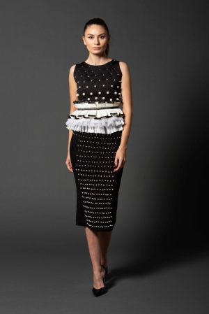 Jersey skirt with pearls and handmade decorative stitches Ie Clothing