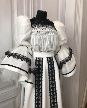 Costum traditional romanesc contemporan Ie Clothing