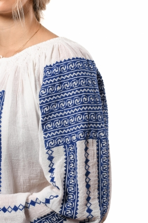 Romanian embroidered blouse in blue folk pattern Prahova