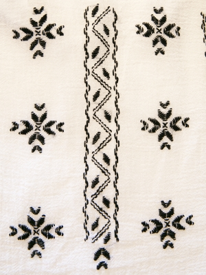 Ie traditionala romaneasca cusuta manual cu motive romanesti negru