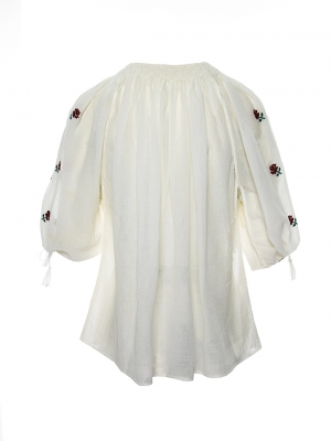 Romanian peasant top Roses embroidery handmade by artisans