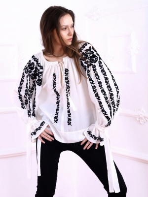 Bluza dama tip ie moderna stilizata  Roses broderie neagra de inspiratie traditionala FLORII