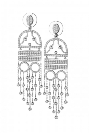 The woman in the evening dress earrings Claudia Florentina
