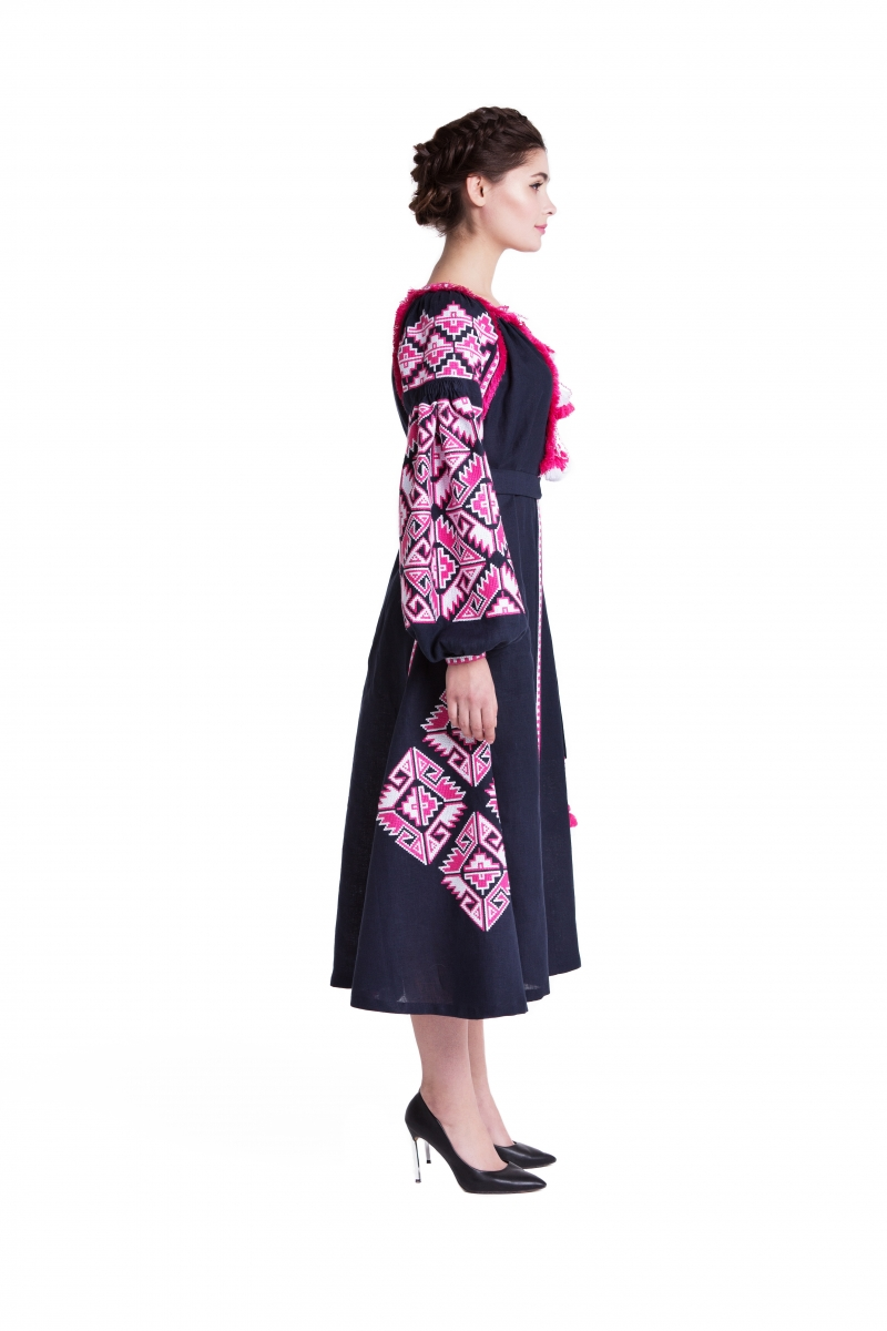 "Embroidered Dress ""Adamant"""