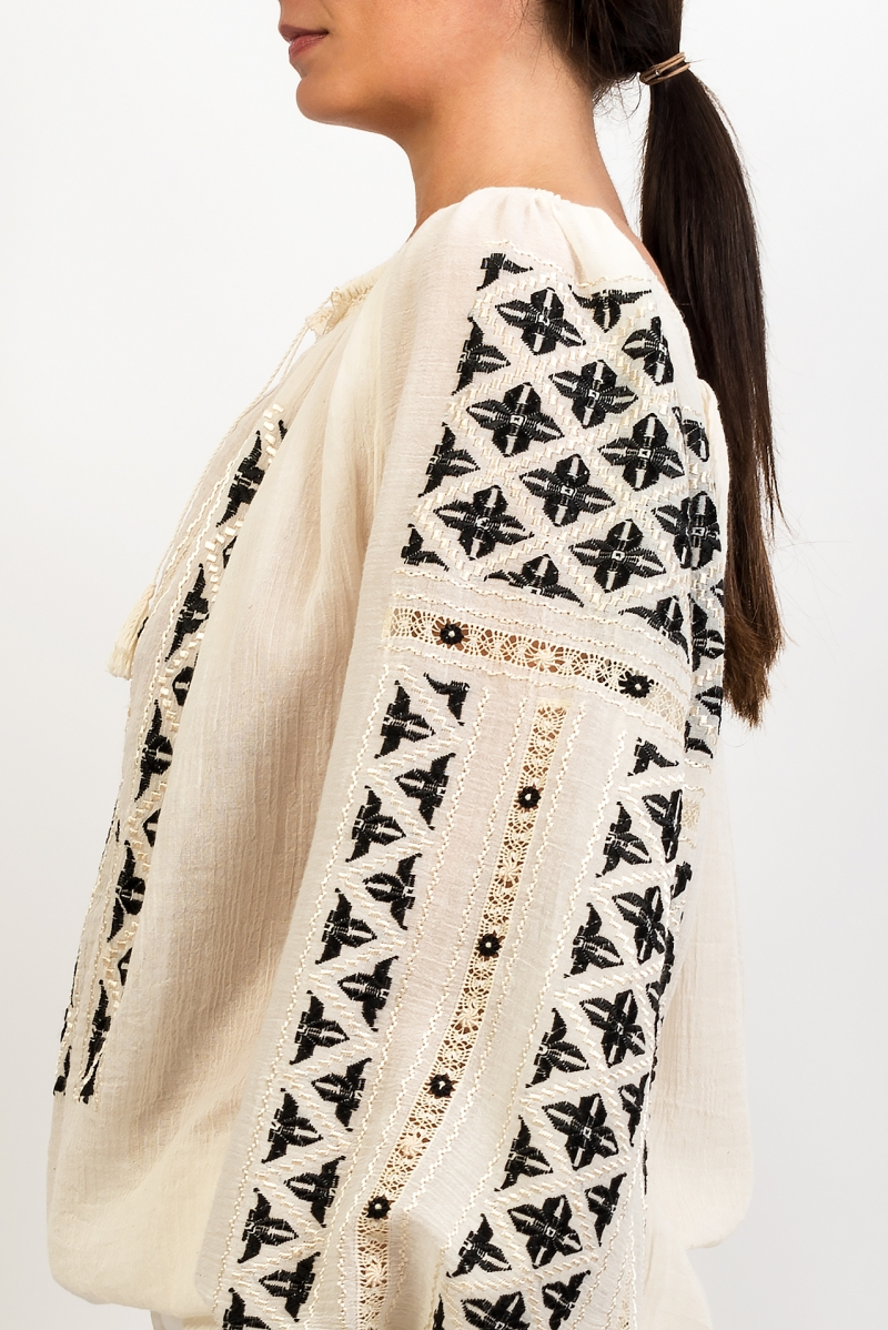 Embroidered linen cloth folk blouse the hook symbol
