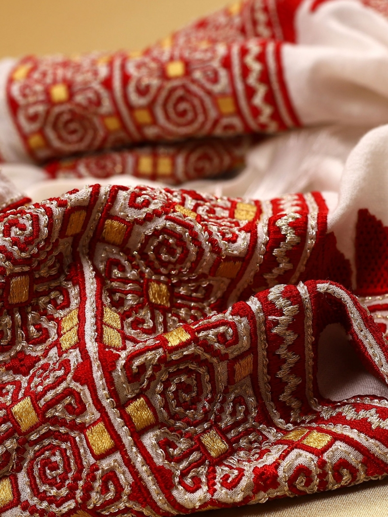Bluza dama tip ie moderna stillizata model cu broderie traditionala Beauty Emergence FLORII Rosu Marsala