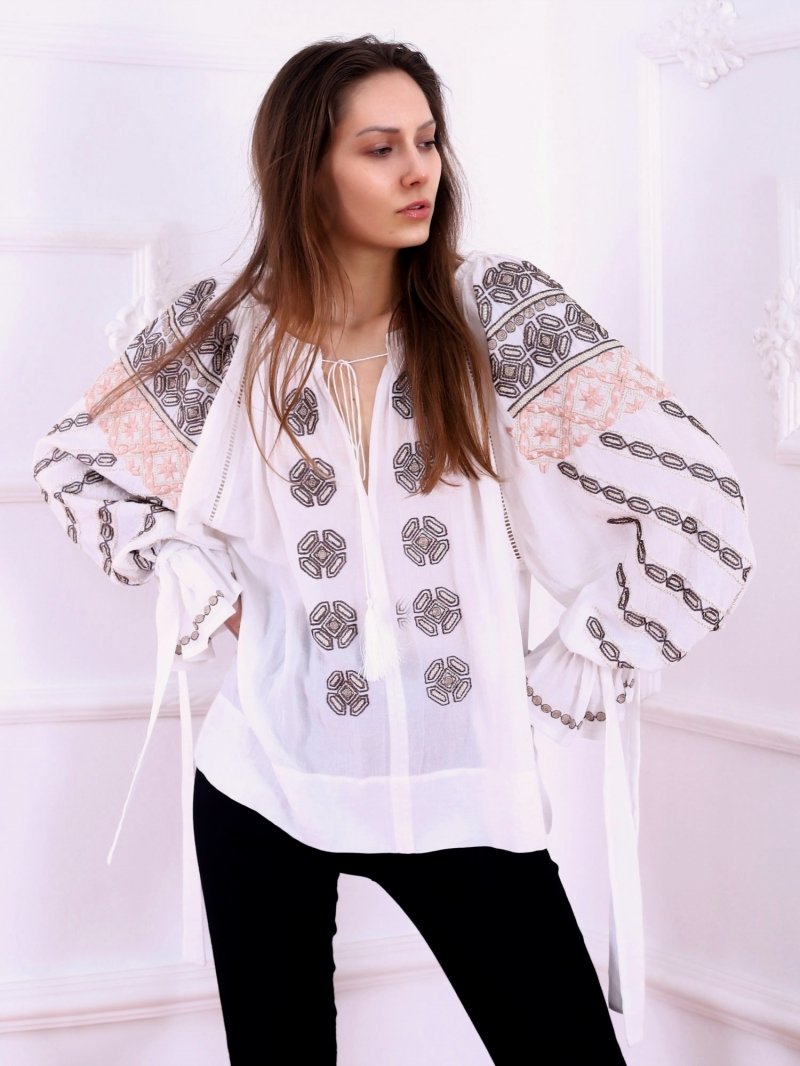 Folk Embroidered blouse Bucovina Traditional style  Embroidery FLORII