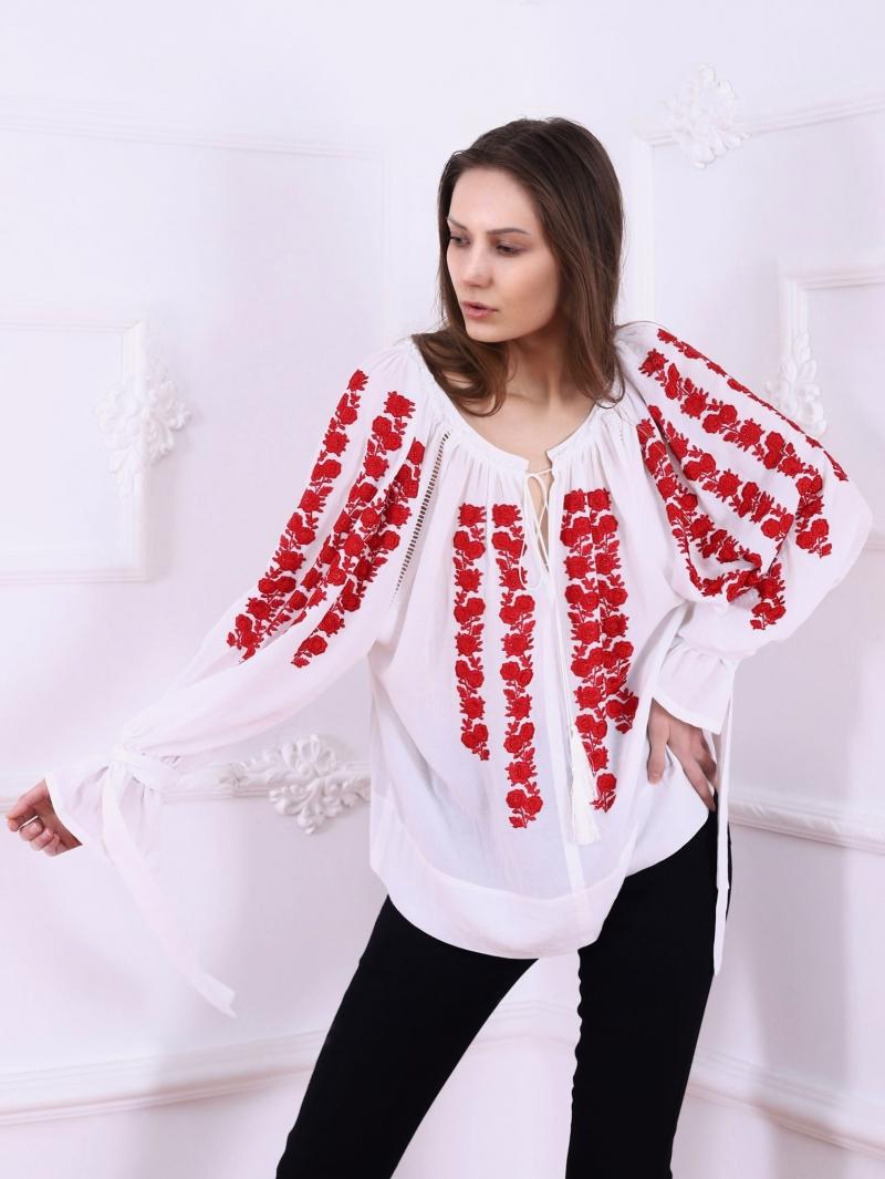 Bluza dama tip ie stilizata cu broderie florala SAKURA FLORII