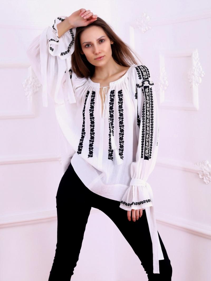 Bluza dama tip ie moderna stilizata model SIBIU broderie neagra si argintiu FLORII