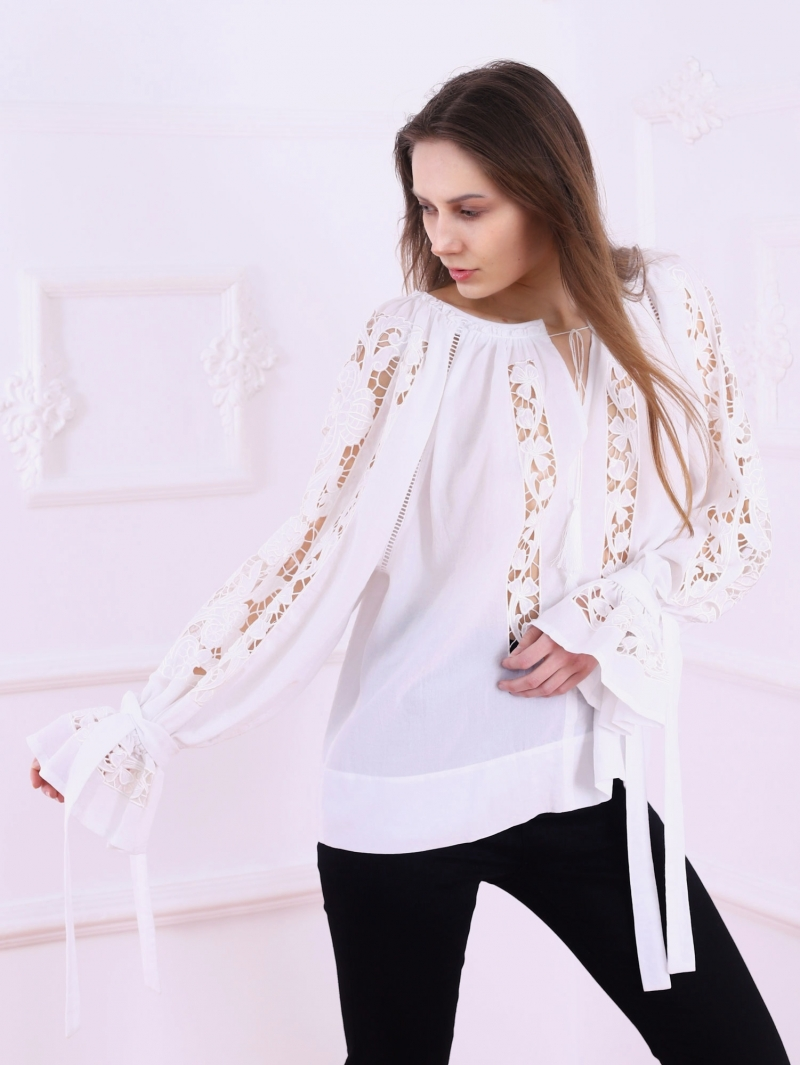 Folk Embroidery Cutwork Blouse AJOUREE WHITE FLORII