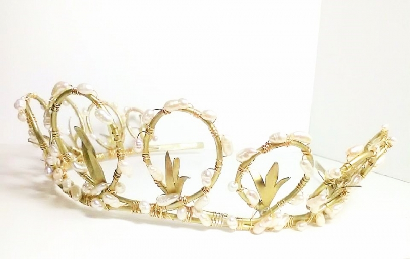 Handcrafted tiara Leaves