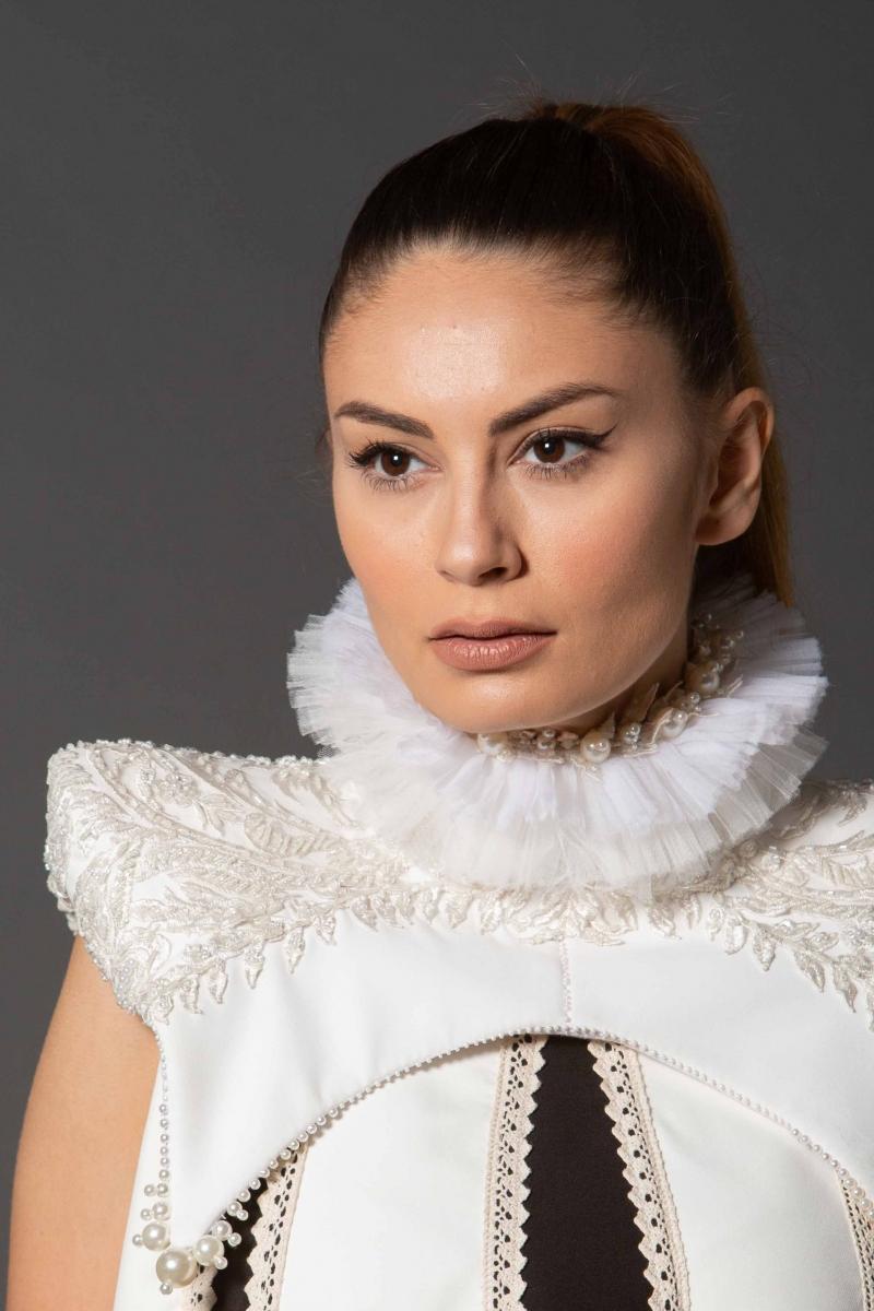 Queen Collar