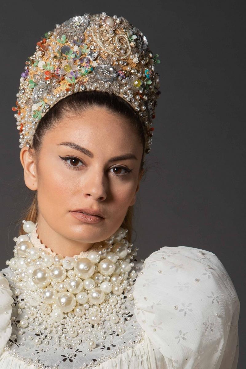 Regia Crown