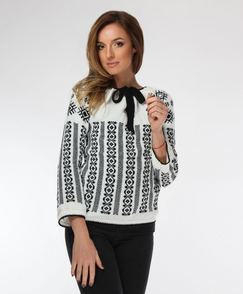 Knitted folk design sweater with traditional motifs on black Onibon