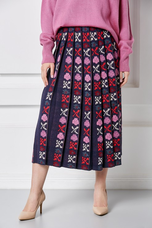 Knitted pleated skirt with authentic folklore floral ornament Petra Foberini