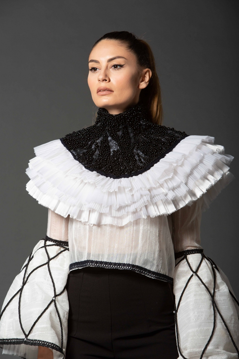 Laura Collar
