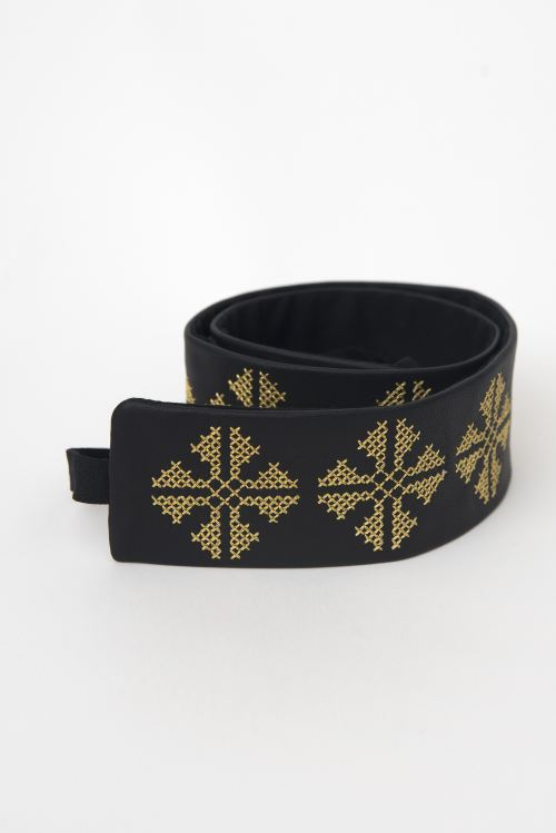 Leather belt with ethnic motifs embroidery