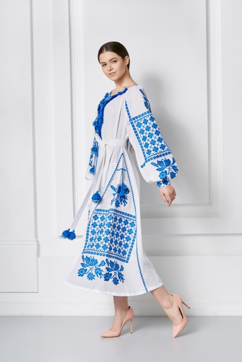 Maxi linen dress with traditional blue embroidery Foberini