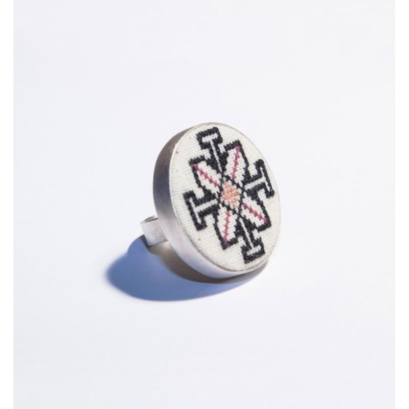 Moldovian motif silver ring