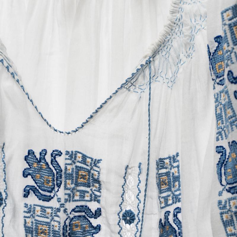 Ie romaneasca traditionala panza topita alba cu broderie albastra motiv Lalea si ajur cu painjenel