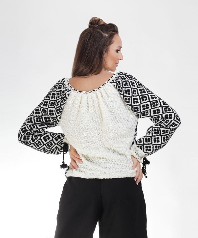Ie tricotata pulover romanesc model traditional negru