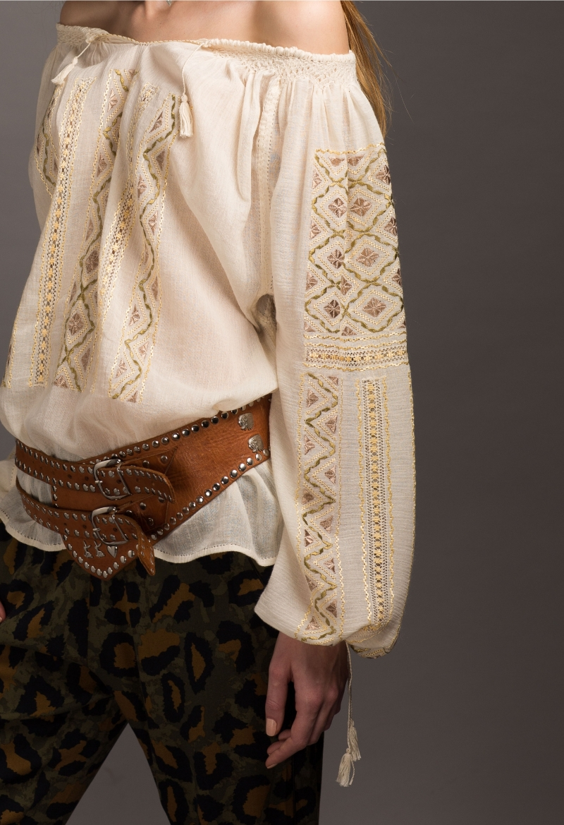 Romanian Peasant Blouse 1970 style Embroidered Cotton Gauze Top Bohemian Shirt Handmade Embroidery