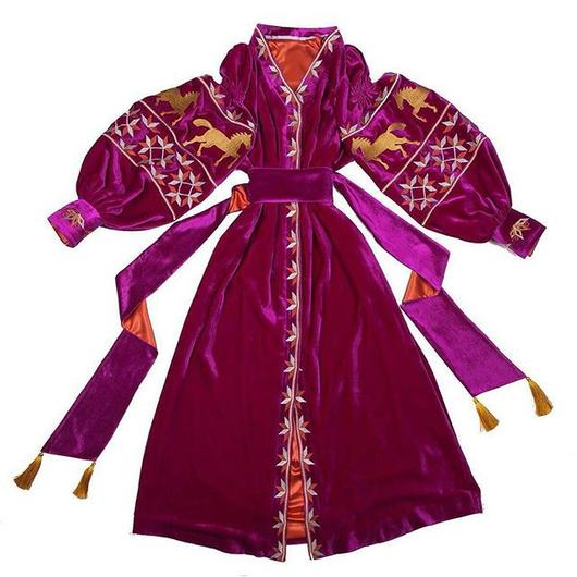 Velvet kaftan with embroidered horses