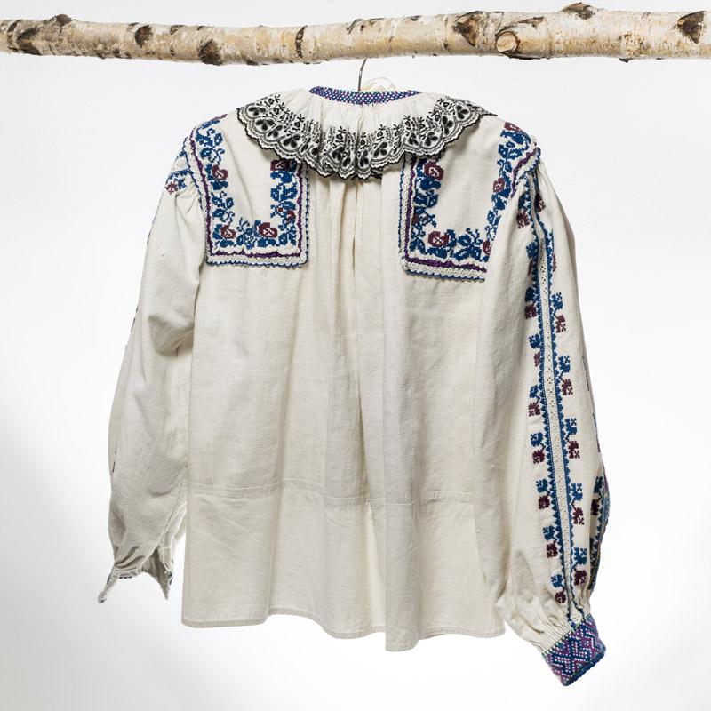 Vintage Romanian folkloric blouse handmade