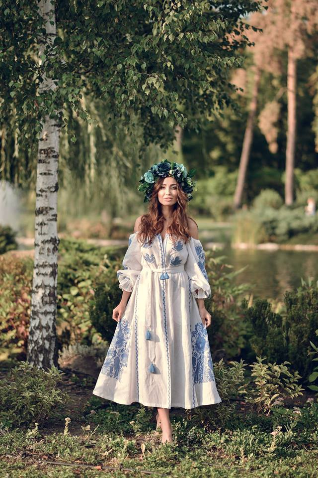 Vyshyvanka DRESS with open shoulders «White Peacock»
