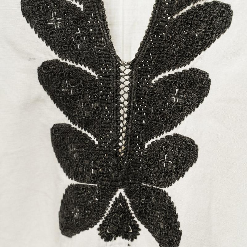 XX century Transylvania peasant shirt vintage on antique white and black embroidery